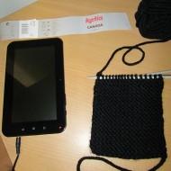 housse tablette tricot1 190x190 - Une housse en tricot pour garder sa tablette au chaud
