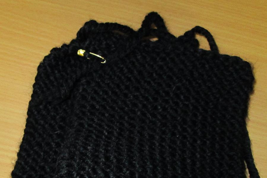 Une housse en tricot pour garder sa tablette au chaud la machine r ver for Housse bouillotte tricot